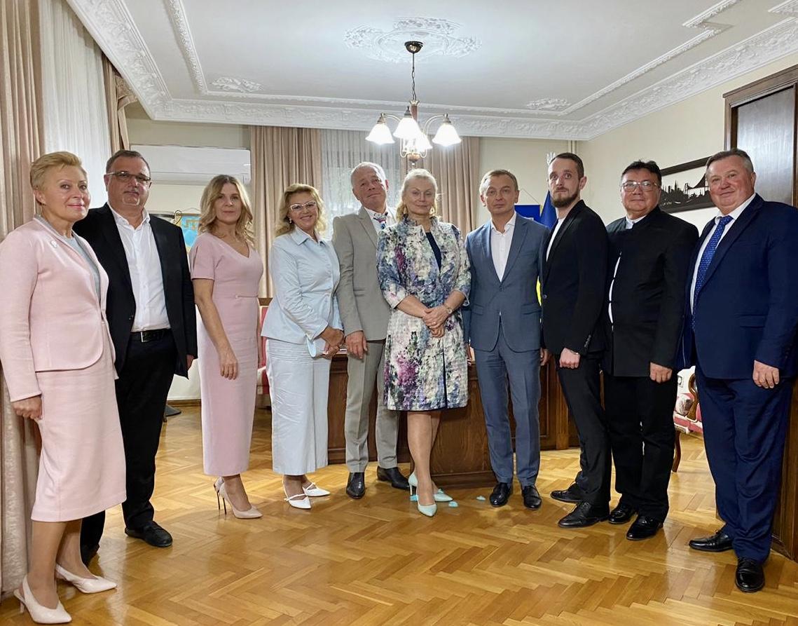 Генеральный консул в Стамбуле и Анатолий Редер